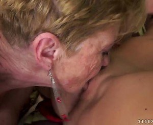 Granny pleasuring with Denise Sky
