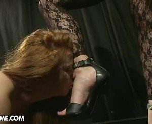 Awesome Katy Borman gets Alice King to lick her feet