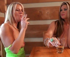 Hot Cougars Smoking and Playing-i, Free Porn c3: