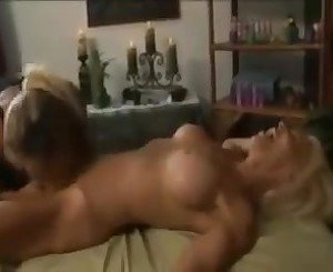 Hot milf lez massage