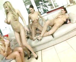 Hot Girl Foursome Lesbian Sex