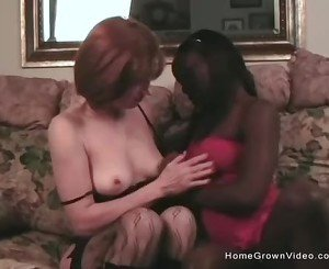 Black On White Lesbo Action