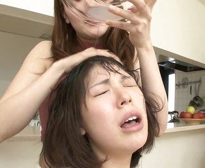 japanese girls use each others saliva as shampoo